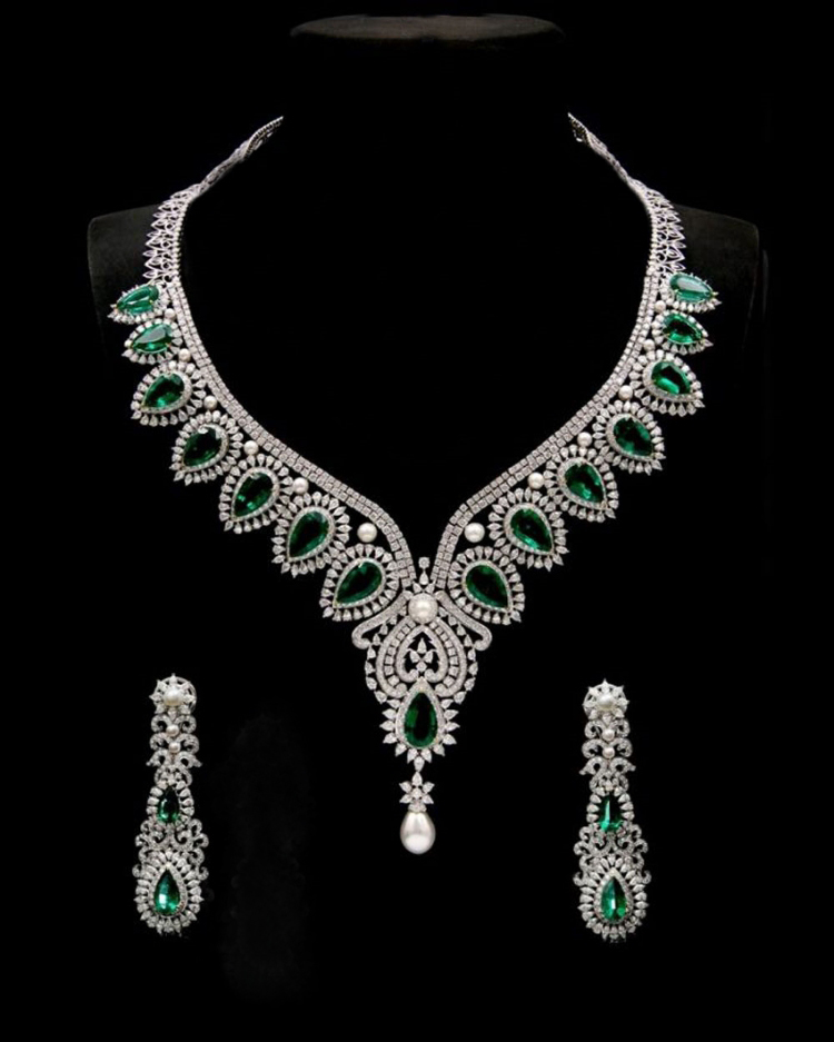 Diamond Necklace Set Design 66 Ct Diamond Emerald Pearl Gold