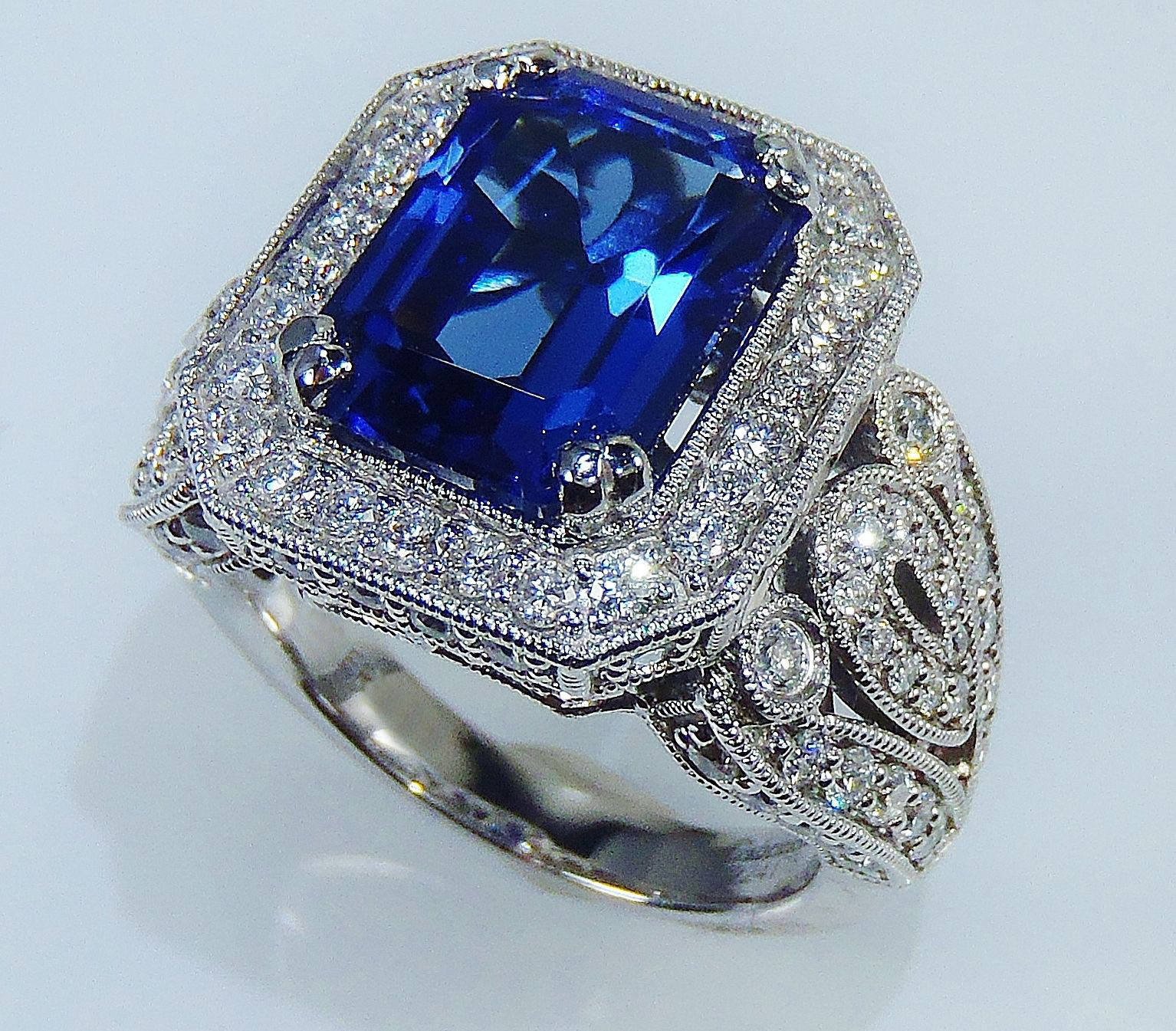 Vintage Gold Diamond Cocktail Ring 2.00Ct Blue Sapphire 4.05Ct Solid Gold Natural Certified