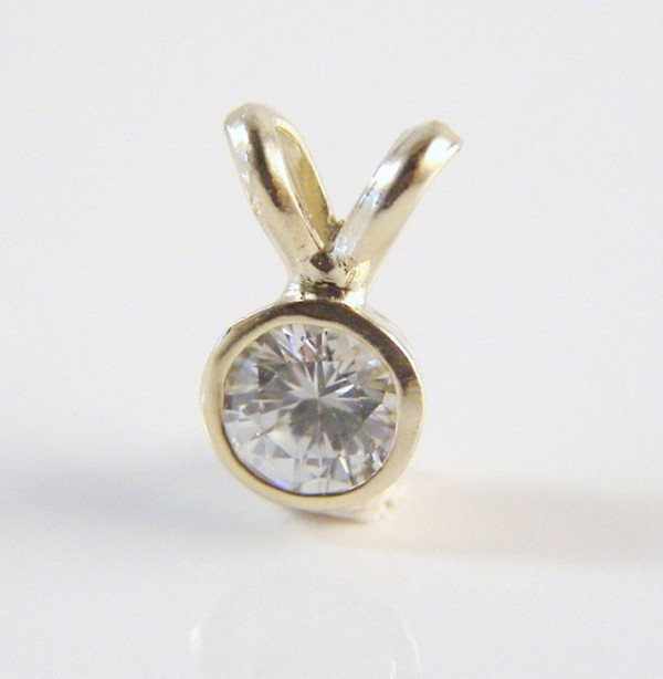 Fine Necklace & Pendant 0.50 Ct Diamond Solid Yellow Gold Solitaire Natural Certified