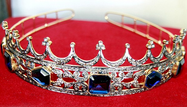 Diamond Tiara 12.25 Ct Certified Diamond Blue Sapphire Sterling Silver Brithday Tiara