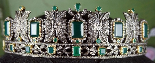 Certified Diamond Tiara 13.80 Ct Certified Diamond Emerald Sterling Silver Bridal Headpieces