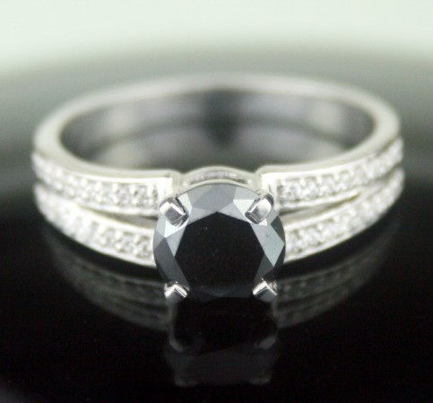 Black diamonds Ring 1.66 Ct Black & White Diamond Round Shape Sterling Silver Solitaire