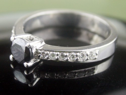 Black diamond Wedding Rings 0.98 Ct Black & White Diamond Round Shape Sterling Silver Solitaire