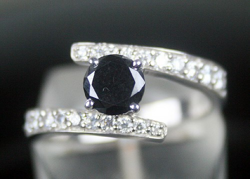 Black Diamond Rings 1.78 Carat Solitaire Diamond Round Shape Solid Gold
