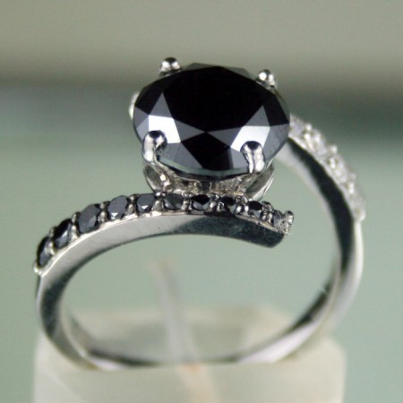 Black diamond Ring 4.00 Carat  Solitaire wz Accent Solid Gold