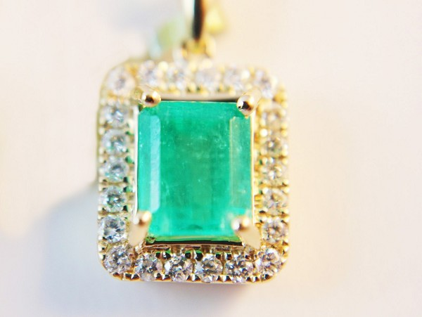 Gemstone Necklace Pendant 0.66 Ct Diamond 2.25 Ct Emerald Solid Gold Natural Certified