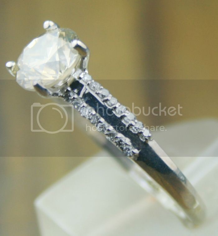 Fancy Diamond Rings 1.47Ct Center 1.30Ct Solid Gold Solitaire Natural Certified