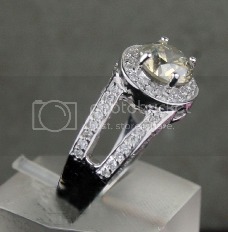 Fancy Colored Diamond Ring 1.68Ct Center 1.18Ct Eye Clean Round Cut White Gold Natural Certified