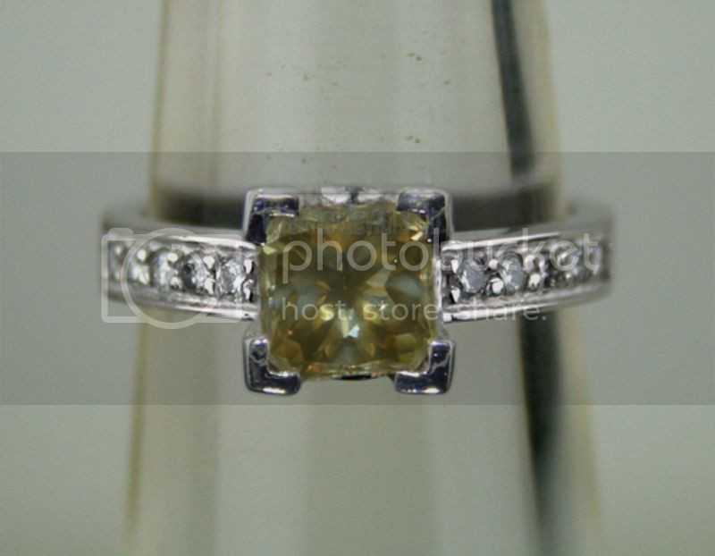 Fancy Diamonds 1.53Ct Center 1.25Ct Princess Cut Solid Gold ]Natural Certified